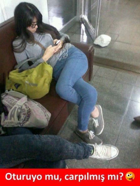 Oturuyo mu, carpılmış mı? :)  #mizah #matrak #komik #espri #şaka #gırgır #komiksözler #caps