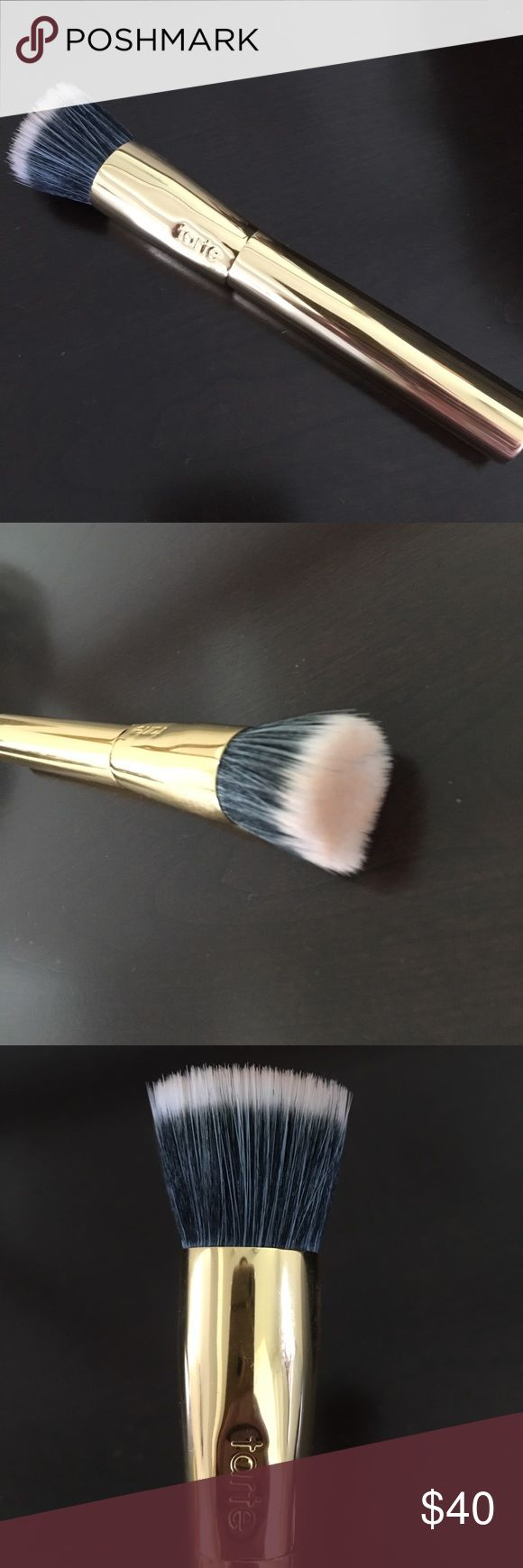Tarte duo fiber brush Used once. No trades. Gold LE brush Sephora Makeup Brushes & Tools