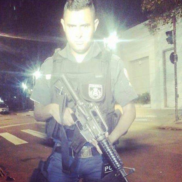 SOLDADO FRANCISCO - UPP PAVÃO!  MOTIVAÇÃO POLICIAL :Ó Senhor Deus felizes são aqueles que tu ensinas aqueles a quem ensinas a tua lei! Tu farás com que fiquem tranquilos nos dias de aflição mas para os maus serão abertas sepulturas. Salmos 94:12-13   #PMERJ  #Policia #MotivaçãoPolicial #PoliciaisMilitares #Militarismo #ForçaEHonra #ServirEProteger #SerPolicialÉSobreTudoUmaRazãoDeSer #PoliciaBrasileira #operaçoõesEspeciais #policeofficer #HomensDeFarda #Militarismo by motivacaopolicial