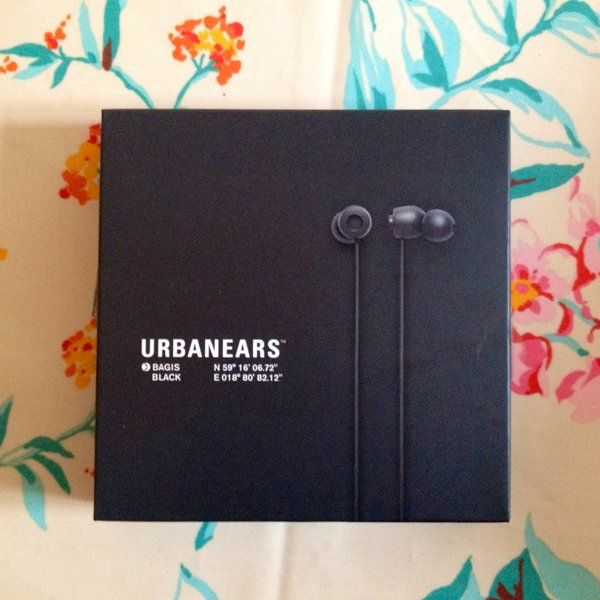 Urbanears Bagis earplug headphones. Used but in good shape. Very cute design, fabric type cord and very good quality sound. ... €15.00