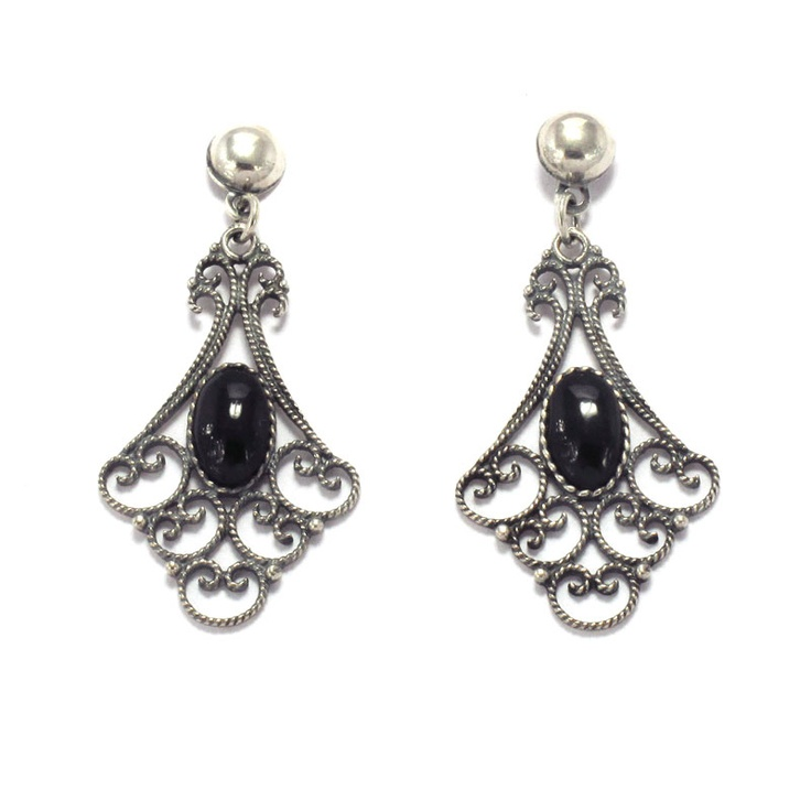 Earrings in sterling silver and jet. Handmade in Galicia with traditional methods. Artcraft of The Way of St.James. Tax free $44.90