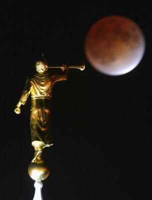 Did you know that one of the heaviest Angel Moroni statues weighs 4,000 pounds, that one statue was colored white or that the statue usually faces east?