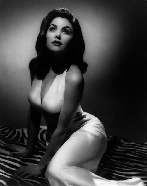 Sherilyn Fenn by George Hurrell. (Probably one of my favourite photos of all time, although for years I was *certain* it was Jennifer Connelly.)