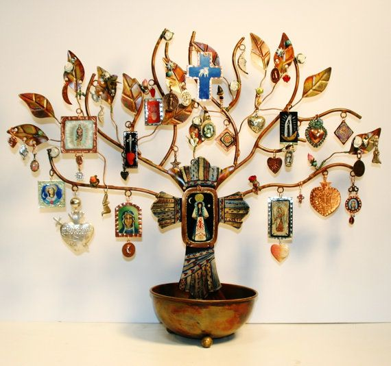Altars:  Our Lady #Shrine and Ornament Tree, by raptorsandretablos. I love this idea with ornamental frames and pictures of my loved ones who have passed on.