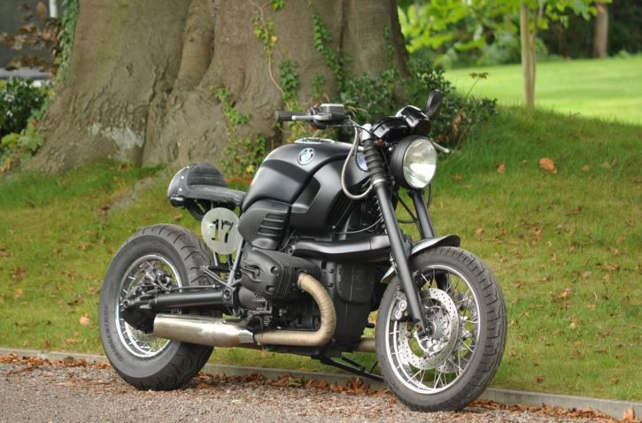 BMW R1200C Custom - Front Right