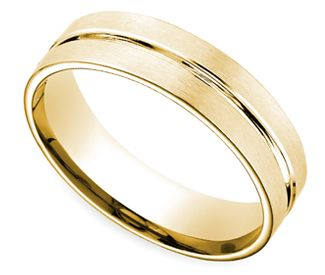 Center Cut Carved Men's Wedding Ring in Yellow Gold