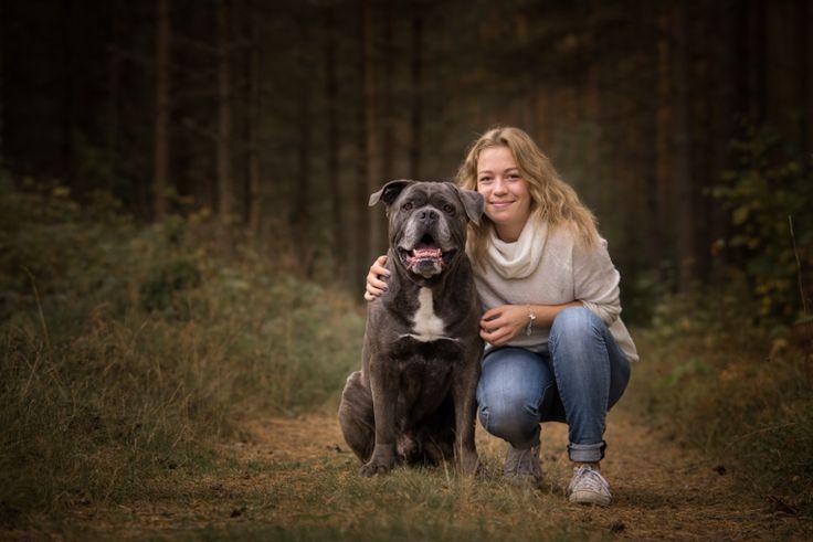 Girl with her dog. Senior photo. Swedish photographer Maria Lindberg.