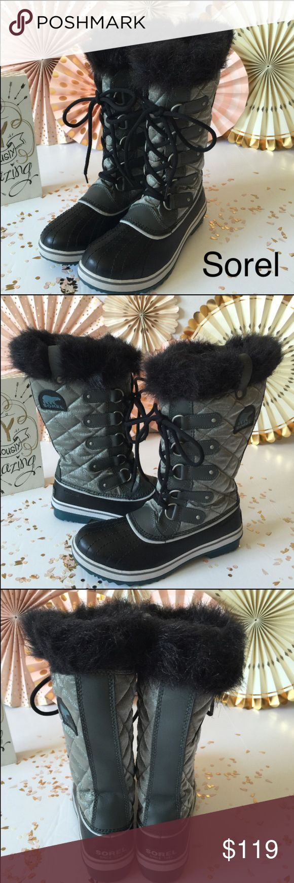 """Brand new Sorel Snow Boots ⛷☃ Care ☃☔️ A lightweight quilted upper is made of waterproof waxed canvas with a durable leather shell and topped with a fab faux-fur collar. A molded rubber outsole echoes the classic 1964 Pac boot and provides superb traction in slippery slush and snow. 1 1/2"""" heel. 1"""" platform (size 9) 11"""" boot shaft; 15"""" calf circumference. Approx. Adjusts to fit wide calves. Removable insole. Textile and leather upper/faux fur lining/rubber sole. By SOREL; Brand new without a…"""
