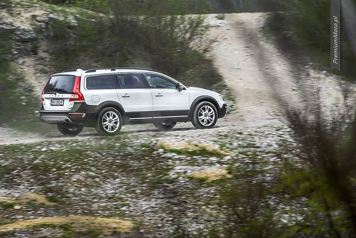Volvo XC70 D4 FWD Summum Inscription going off-road. More pisc @ http://premiummoto.pl #volvo #xc70
