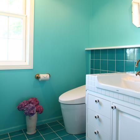 ブルーのトイレ
