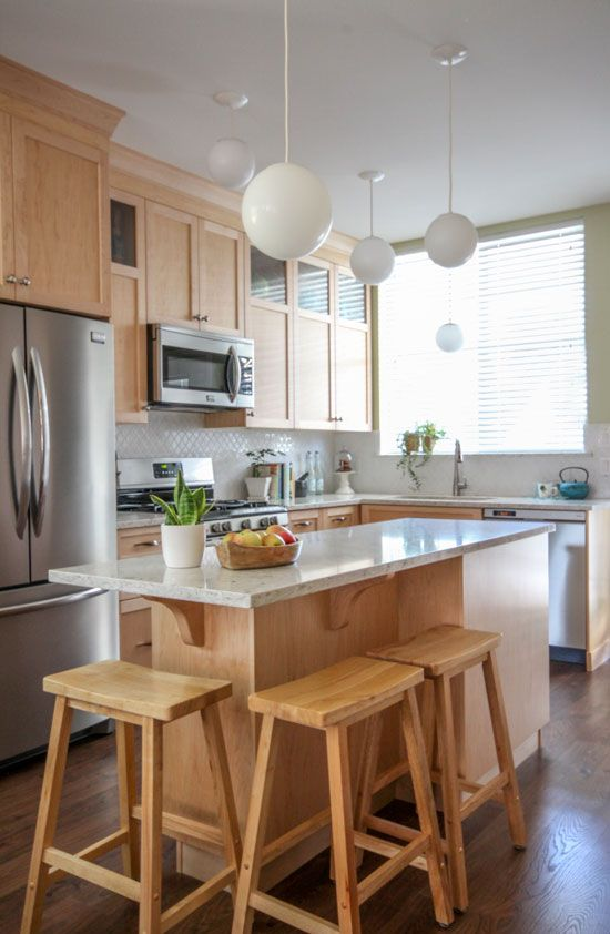 Flat Panel Hickory Cabinets with Perlo Piazzo Bevel Countertops