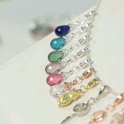 Origami Owl Spring Collection 2014 - new teardrop shaped dangles in beautiful new colors. www.lizullery.origamiowl.com