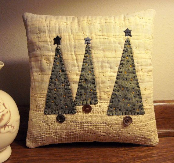 Primitive Folk Art Fabric Art Christmas Tree by naturalaccents