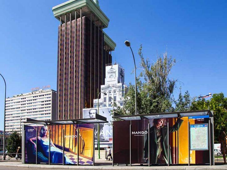 Nueva campaña de publicidad exterior Mango en las Torres de Colón