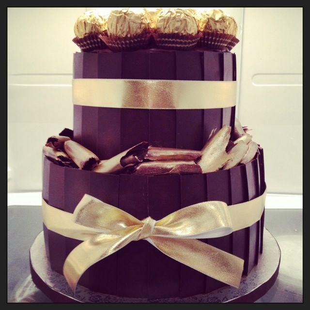 Black & gold...cake by The Birdcage in Stellenbosch #madewithstudio