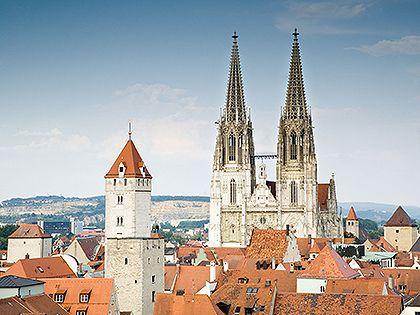 Középkori felhőkarcolók – Regensburg http://www.nlcafe.hu/utazas/20130331/regensburg-utazas-szallas-kirandulas/