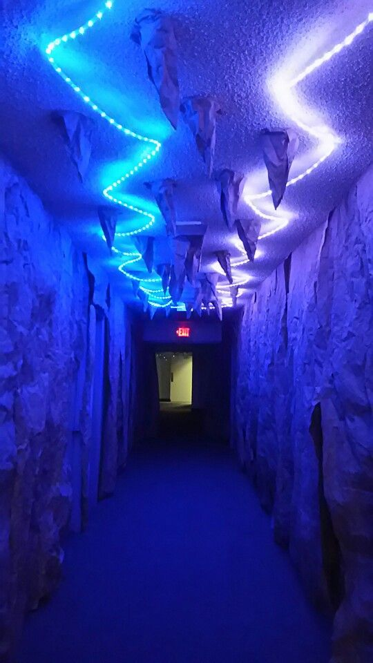 VBS 2015 (I made this cave hall for Journey Off the Map)