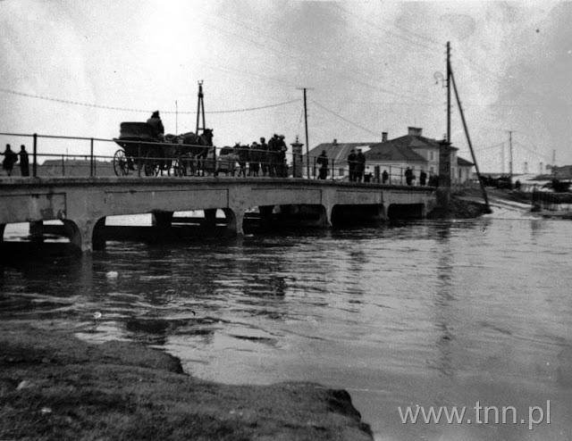 Kalinowszczyzna 1947,  most na Bystrzycy. W tle Karczma Budzyń- Czerwona.