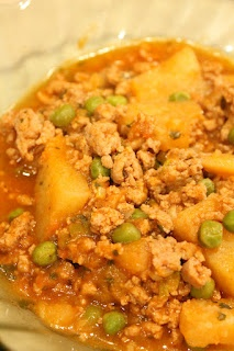 Ground Turkey with Potatoes and Peas-- great healthy dish for a chilly ...