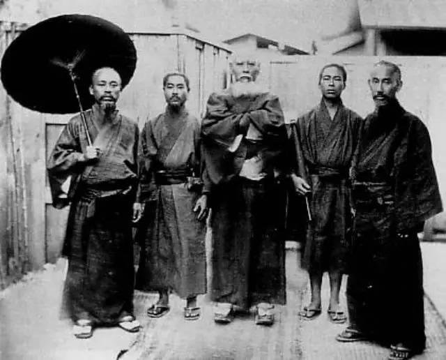 Five Ryukyuan men during the meiji period 合気じば道場
