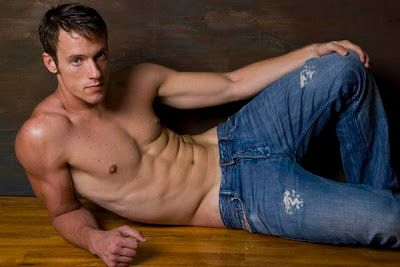 Gay Things I Dig: Shirtless Guys in Jeans