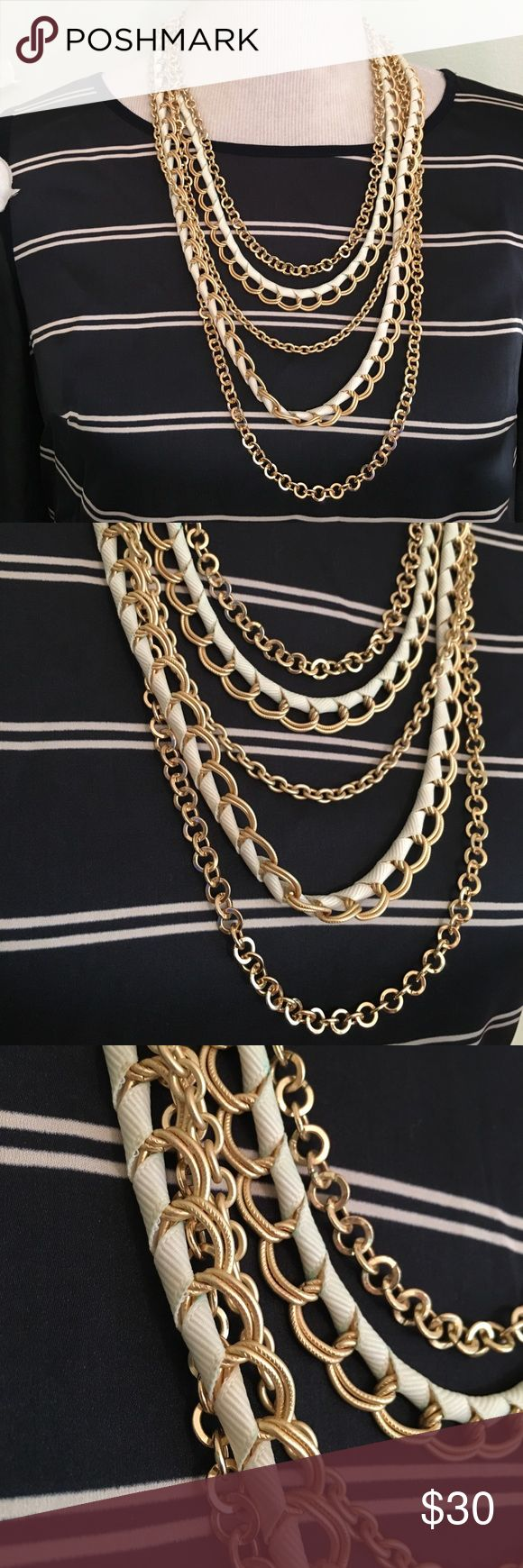CHICO'S WHITE GOLD NECKLACE Stunning elegant necklace in excellent condition Chico's Jewelry Necklaces