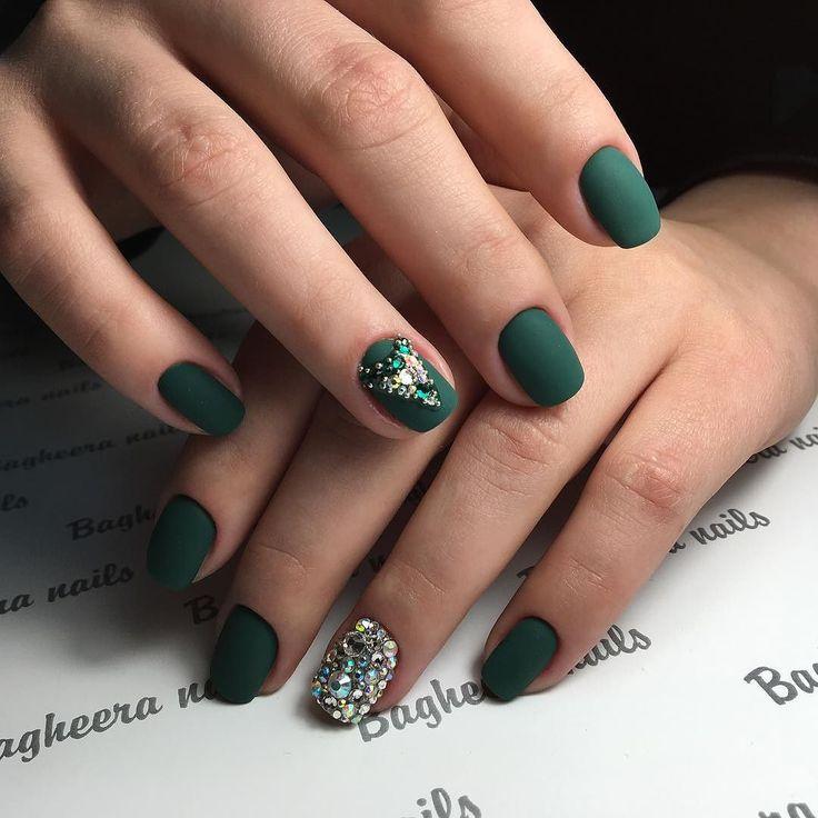 Green / Embellishment