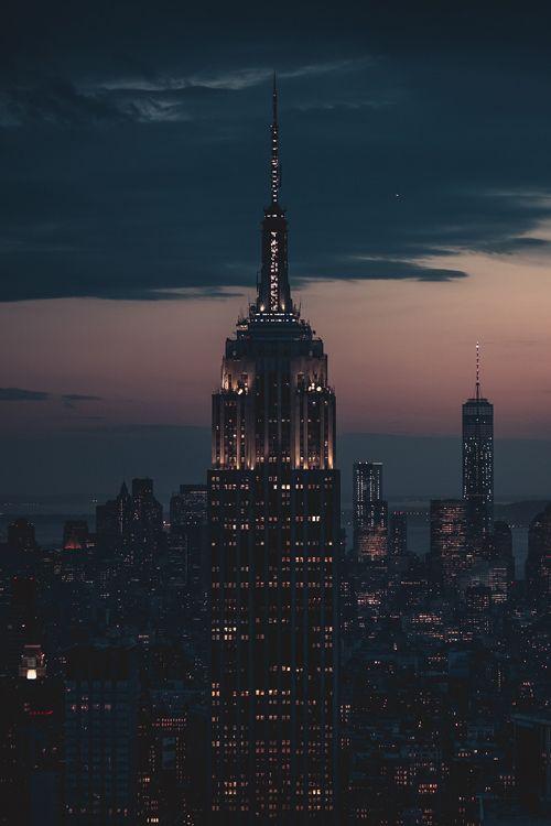 New York at dusk by Zadrafi | newyork newyorkcity newyorkcityfeelings nyc brooklyn queens the bronx staten island manhattan