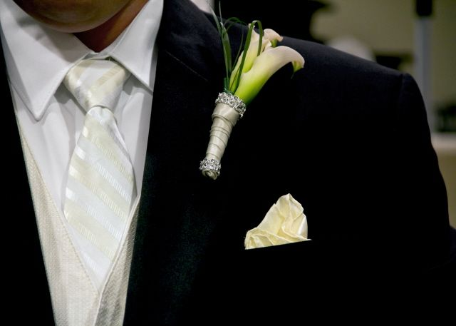 how to keep a corsage fresh