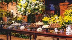 Mesa de doces e chocolates - Casamento Gabriela Poço e Diego Silvestrin