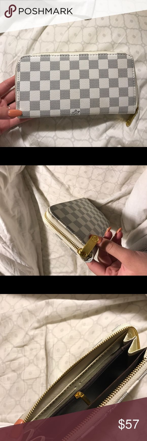 Louis Vuitton wallet Price. Reflects. Great condition. Louis Vuitton Accessories Key & Card Holders