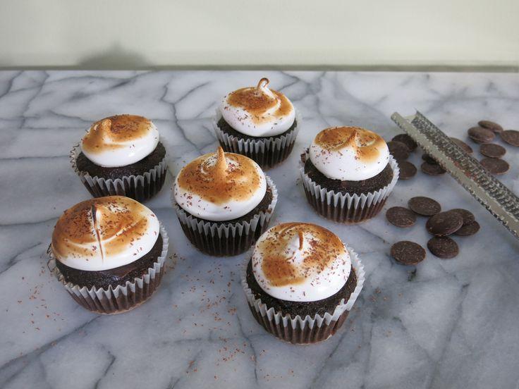 Toasted Marshmallow Cupcakes - Cake Boss Bakeware