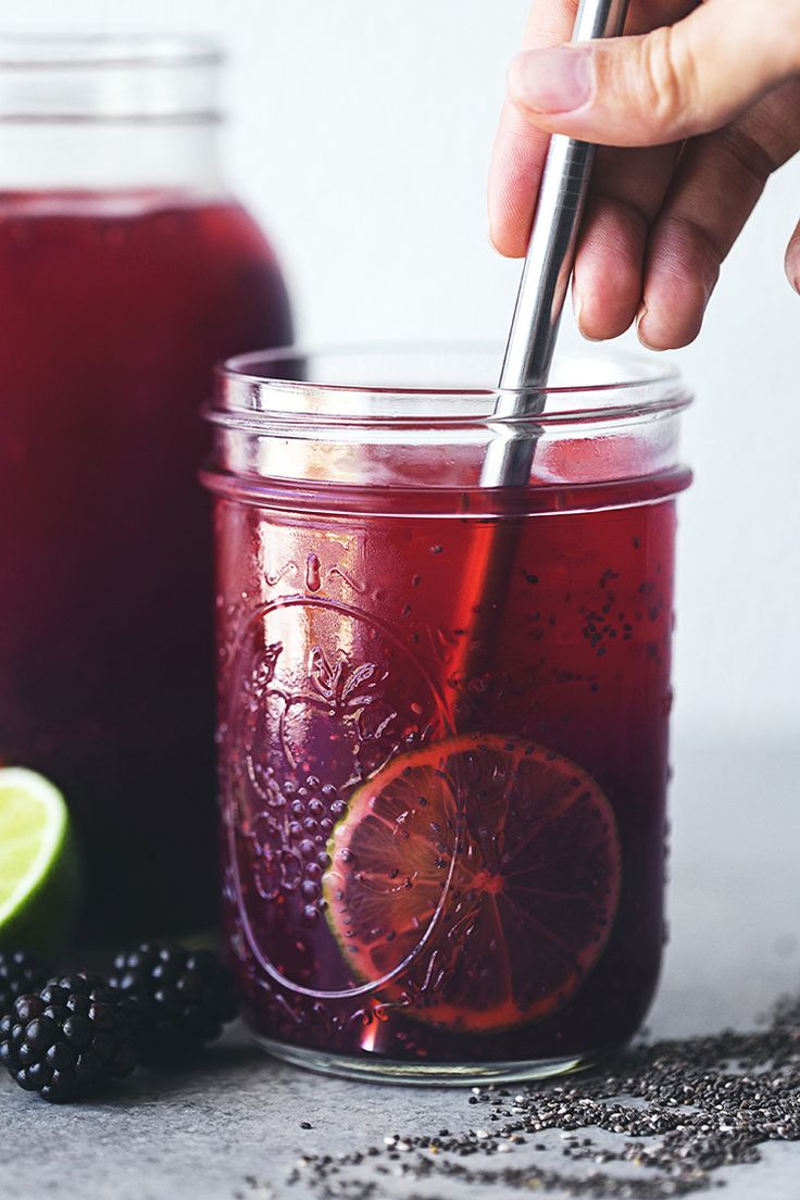 (Sweeten with stevia or xylitol) Blackberry & Lime Chia Fresca - a tasty and healthy way to hydrate, with hefty doses of antioxidants, vitamins, and minerals from the blackberries, omega-3 and omega-6 fatty acids from the chia seeds, and the detoxifying and alkalising properties of lime. Use 1/4 cup chia seeds to make a full fruit and healthy fat serving.
