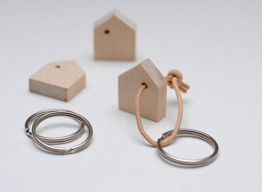 """DIY keychain, via miniKUNST Vielleicht für die Erzieher zu Weihnachten, symbolisch dafür wie """"zu Hause"""" Lönne sich bei ihnen fühlt?"""