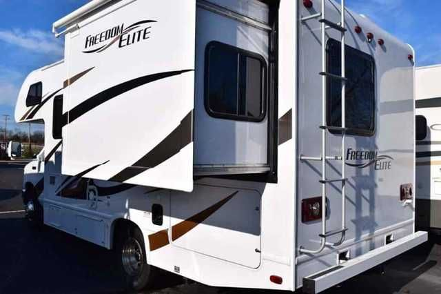 17 Best Ideas About Class C Motorhomes On Pinterest