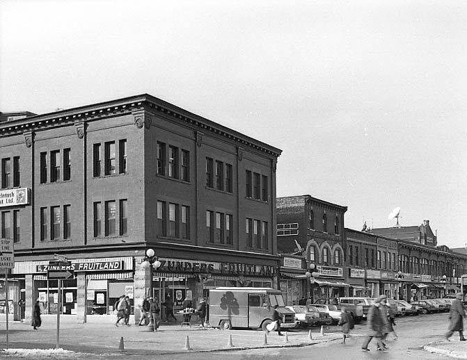 https://flic.kr/p/jqBZQq | Zunder's Fruitland on Byward and George St. | Ottawa, ON