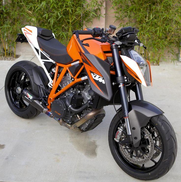 KTM Superduke 1290... I really want one of these!