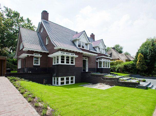 Villa Bergkwartier Amersfoort. Inspelen op klassieke stijlkenmerken uit de buurt. Tuinontwerp bied ondersteund het souterrain.