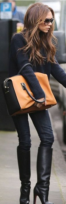 Victoria Beckham, black boots, color-block bag, black sweater, black jeans ☑️