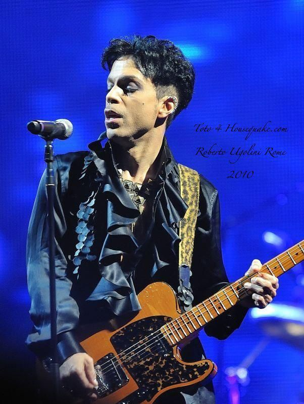 2010.11.02 Prince in Rome, Italy