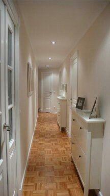 Ejemplo pintura blanco marfil para pasillo y salón con techo en blanco.