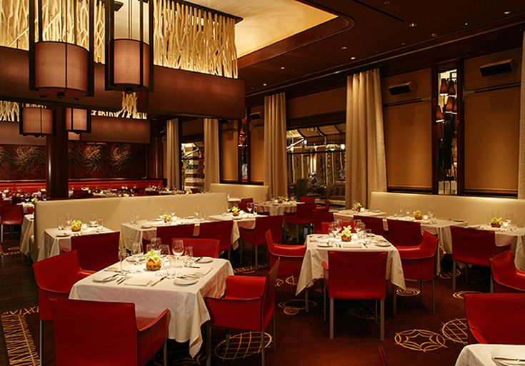 Contemporary italian restaurant interior design of srtatta for Italian cafe interior design ideas