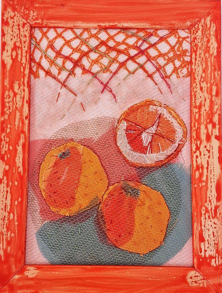 Oranges - katoen, tule, borduurwerk 13x18cm #textile #recycled textile#embroidery stitch #textile art #wood #frame