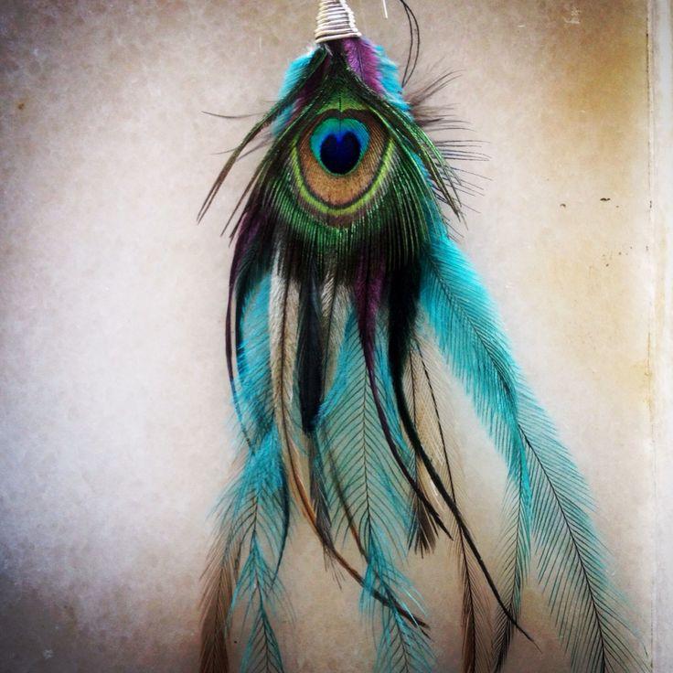 #singlefeatherearring #featherjewellery #boho #gypsy #crueltyfree #feather #earring @mana528