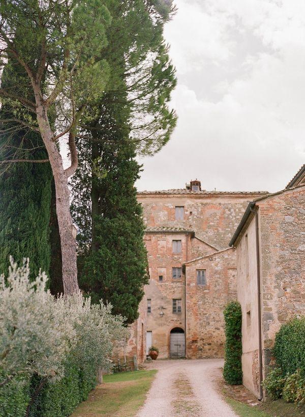 Peter And Veronika | Destination Wedding Photographers | Destination Wedding In Tuscany | Destination Wedding In Italy | Destination Outdoor Wedding In Tuscany Valdorcia| Wedding Photographer In Tuscany | peterandveronika.com