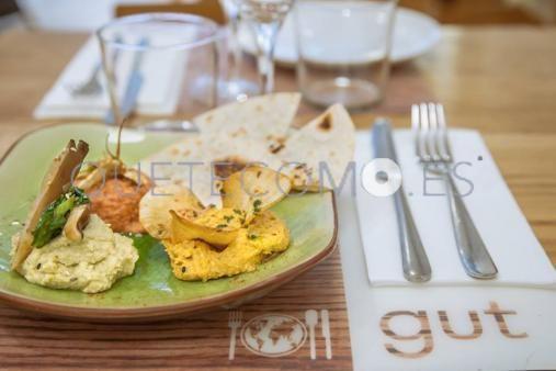 Restaurante vegetariano cafetería Gut en Barcelona