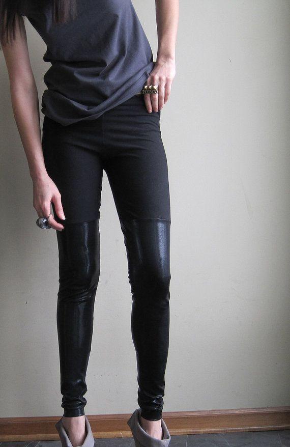 Jambières de grunge minimaliste - des hauts de cuisse de faux noir métallique faites avec brillante spandex - grand