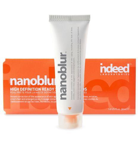 Edelliselta reissulta tarttui mukaani uutuus Indeed Labsin Nanoblur. Se on meikkivoiteen päälle sipaistava tuote, joka häivyttää ihon juonteita ja suurentuneita huokosia sekä antaa tasaisen mattapinnan iholle. Jos ei tee ihan 10 vuotta nuoremmaksi, niin ainakin huomattavasti freesimmmäksi. Tämä todella toimii!! - Eija