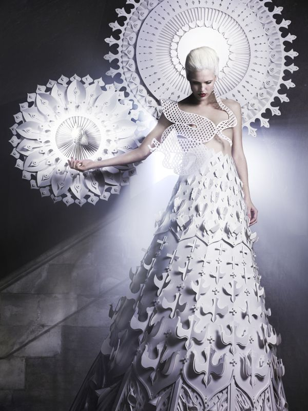 Madonna by Makerie Studio. Amazing paper layered and cutout dress and halo. Photographer Luke Kirwan, published in 125 Magazine.
