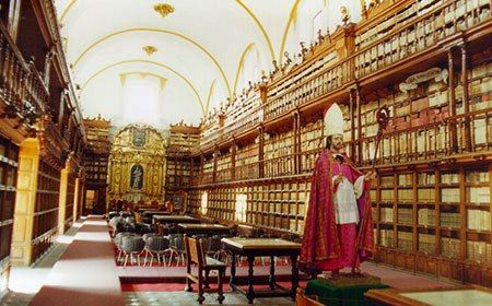 Biblioteca Palafoxiana. Founded in 1646, it is the first public library in America and faithfully conserves its tradition of intellectual and cultural European heritage.